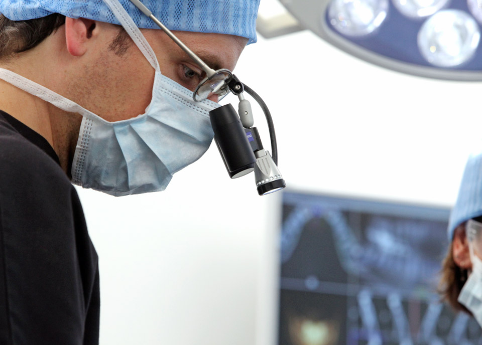 praxisklinik-muenchnerau-kfo-implantate-content02